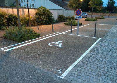 Place de stationnement adaptée