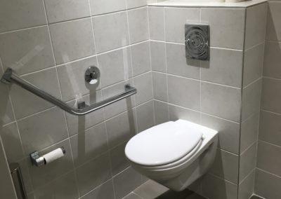Sanitaire adapté PMR